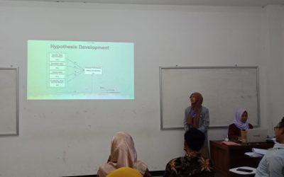Mahasiswa STIAMAK Presentasikan RTG